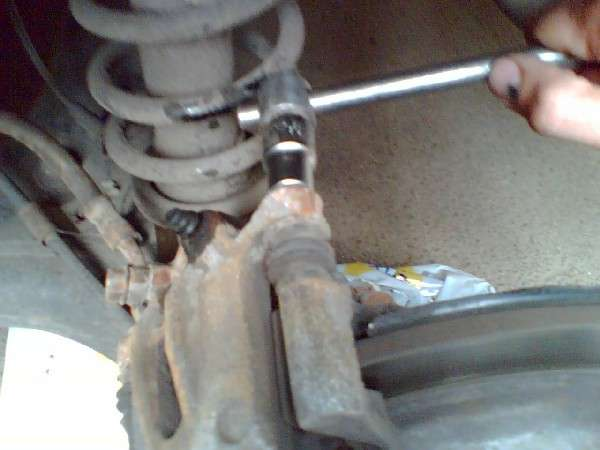 видео инструкция замена тормозных колодок на тойота королла img-1